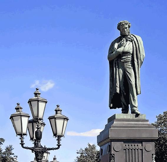 Памятник Роза из двух видов гранита Луза памятник на могилку Сергиевск